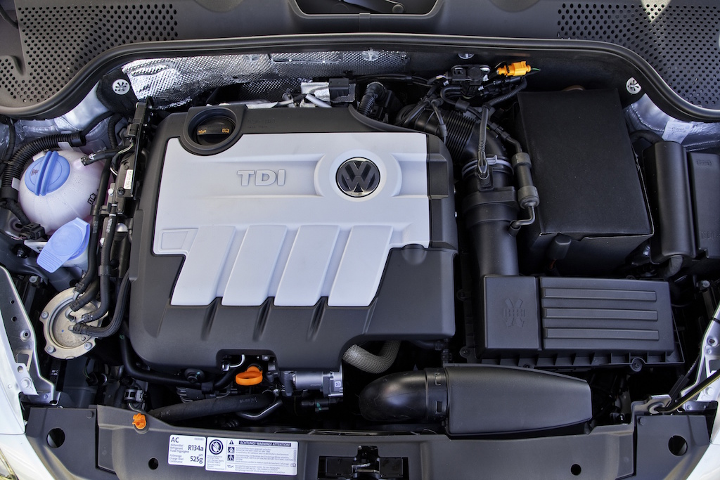 2000 vw beetle engine compartment  2000  free engine image
