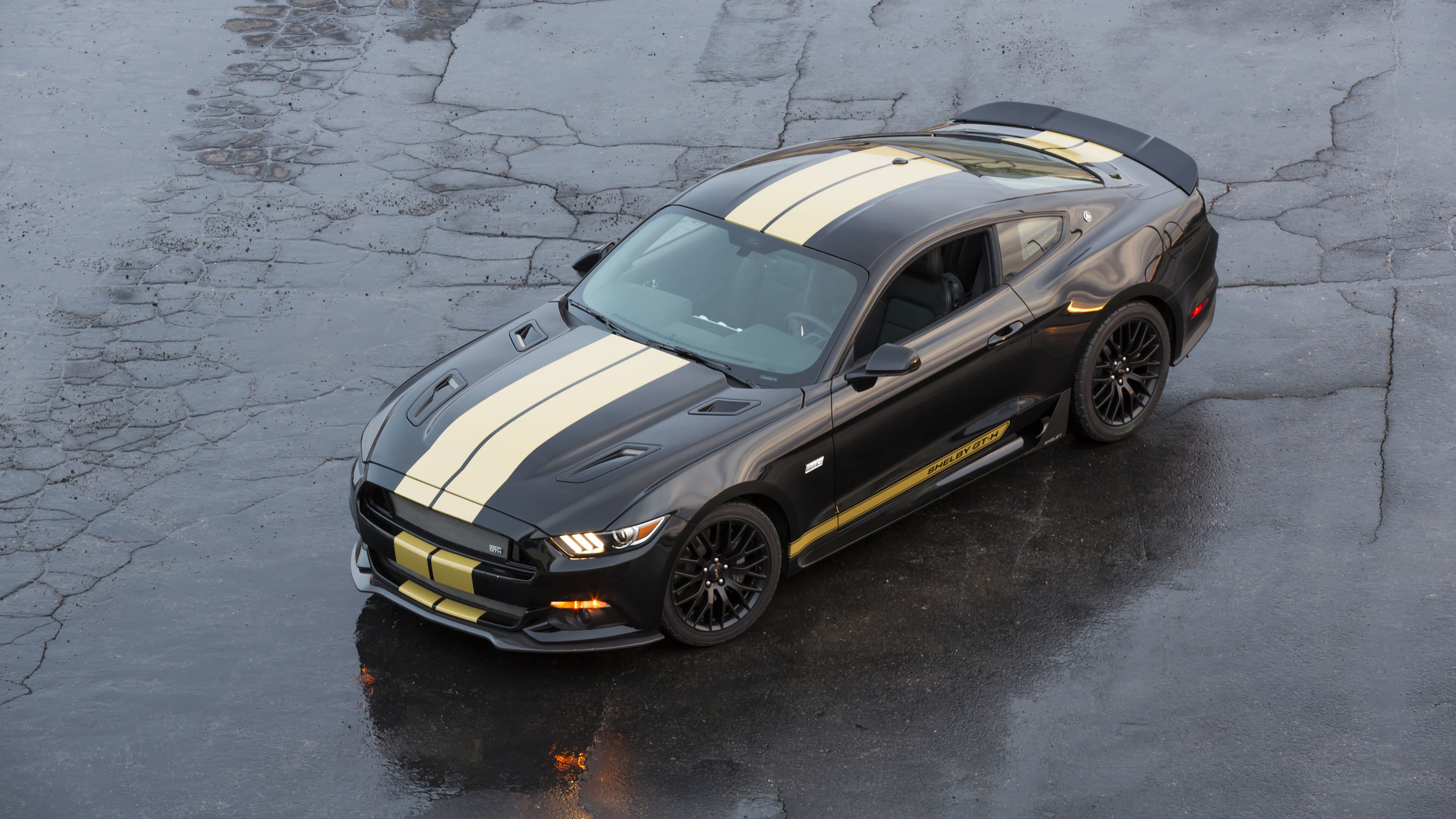 2016-ford-shelby-gt-h-hertz-004-1