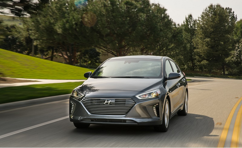 The 2017 Ioniq is one of the few new cars that will offer serious competition for the Toyota Prius.