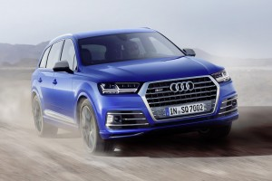 Audi Uses 3 Turbos to Bring You the 435 Horsepower SQ7