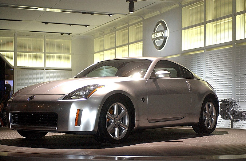 DETROIT, UNITED STATES: Nissan displays its new 350Z car at the North American International Auto Show at Cobo Hall in Detroit on 08 January 2002. Pricing for the new 280-plus horsepower 350Z will start at a Manufacturer's Suggested Retail Price of 26,269USD. Customers will be able to configure and order vehicles at Nissan dealerships beginning in mid January. AFP Photo/Jeff KOWALSKY (Photo credit should read JEFF KOWALSKY/AFP/Getty Images)