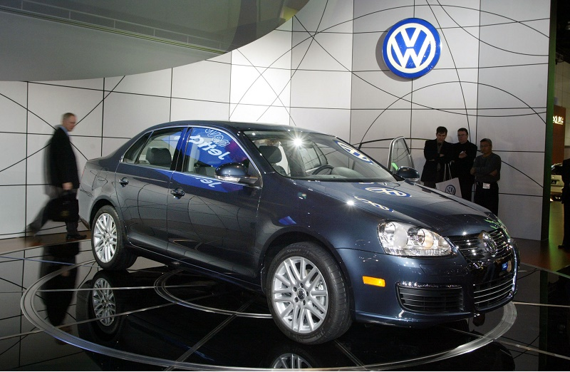 LOS ANGELES - JANUARY 5: The new Volkswagen Jetta debuts at the 2005 Los Angeles Auto Show January 5, 2005 in Los Angeles, California. (Photo by J. Emilio Flores/Getty Images)