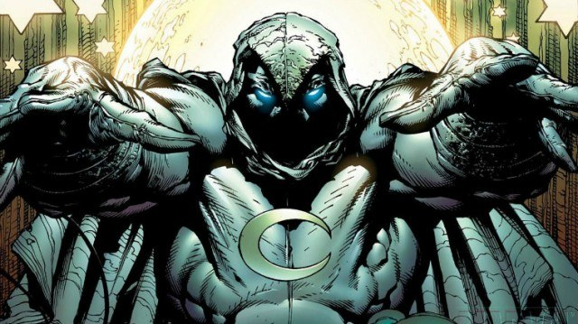 Moon Knight raising his two hands.
