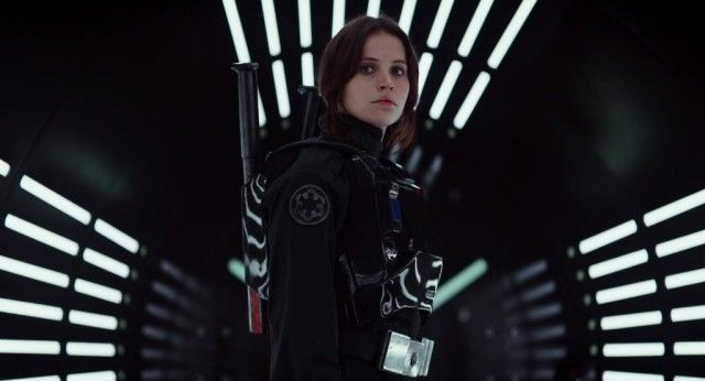 'Star Wars' Signals: Felicity Jones Explains 'Rogue One' Reshoots
