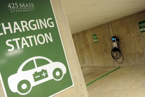 Electric Car Push Matched by 24% Jump in Charging Stations in 2016