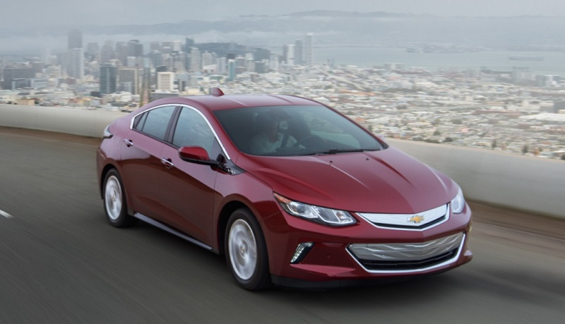 The 2016 Chevrolet Volt won Green Car of the Year.