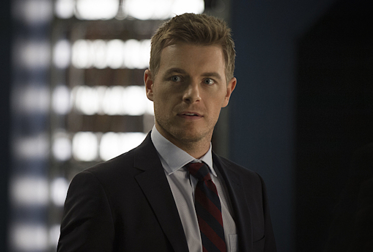 """The Flash -- """"The Trap"""" -- Image FLA120B_0130 -- Pictured: Rick Cosnett as Detective Eddie Thawne -- Photo: Cate Cameron/The CW -- © 2015 The CW Network, LLC. All rights reserved"""
