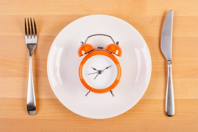 Here's what to know about fasting and meal skipping