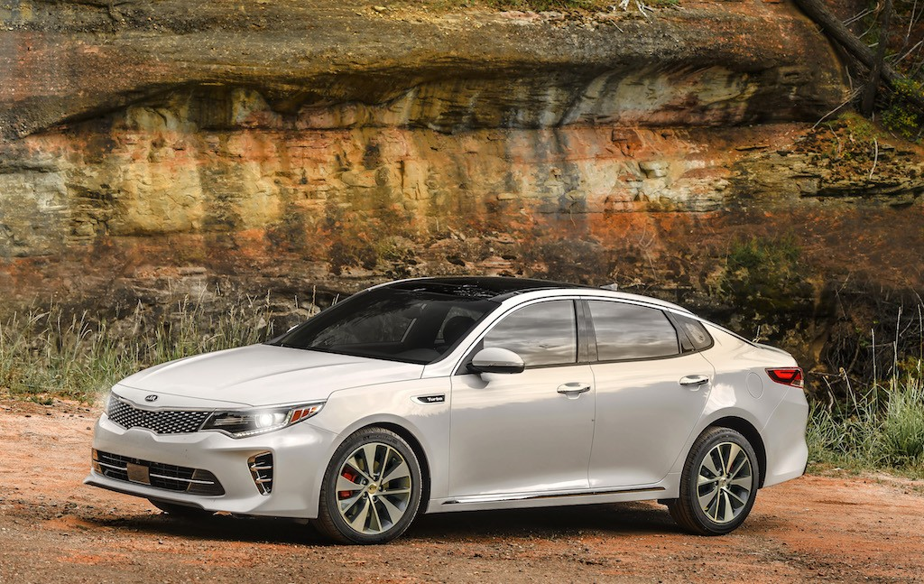 View of white Kia Optima SXL 2.0 turbo at the edge of the continental divide