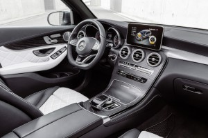 Check Out the 10 Best Car Interiors for 2016