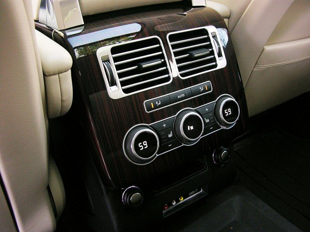 The rear climate controls on the Range Rover Td6
