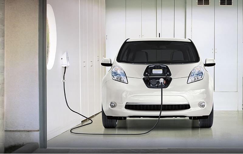 Nissan Leaf charging at home
