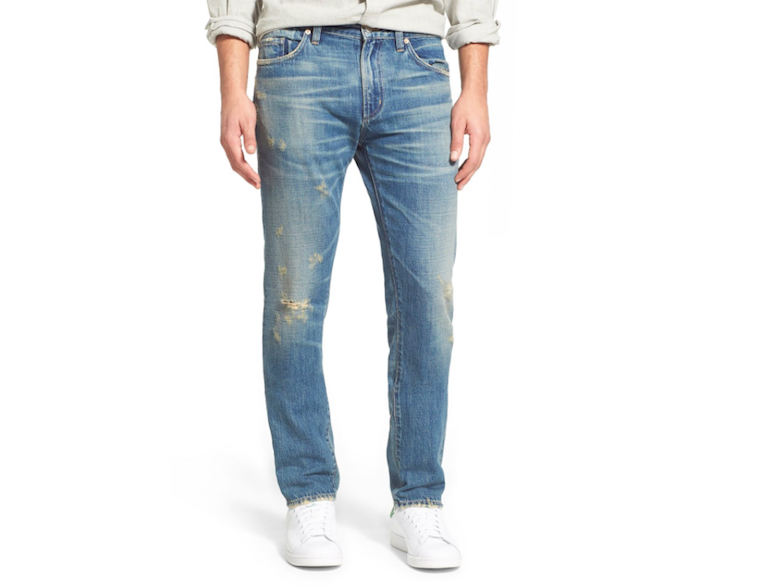 5 Best Pairs of Lightweight Jeans to Wear This Summer