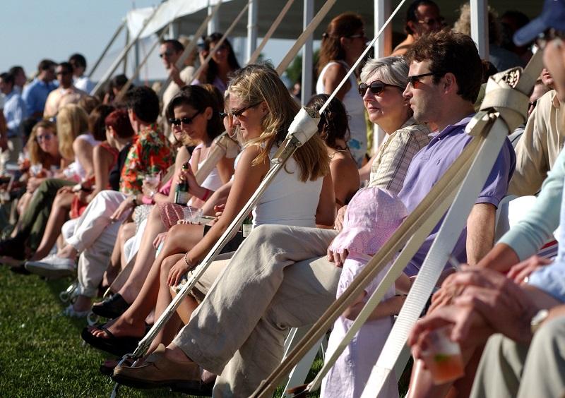 Wealthy Americans in the Hamptons / Spencer Platt/Getty Images