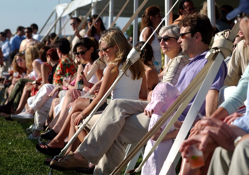 Wealthy Americans in the Hamptons / Spencer Platt/Getty Images