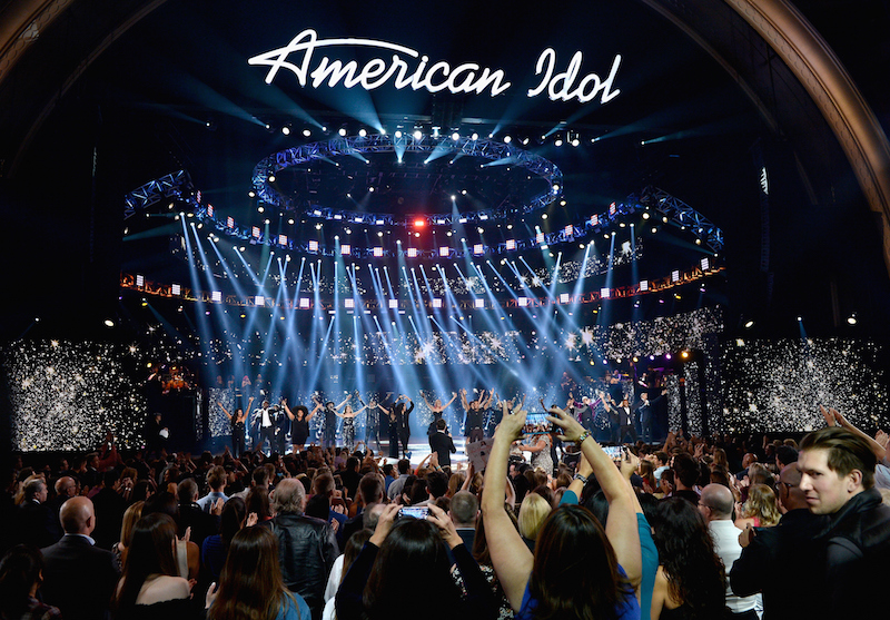 The crowd cheers at the American Idol finale
