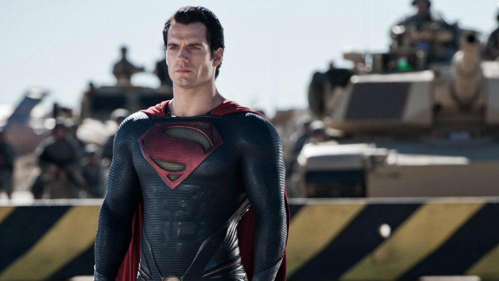 Henry Cavill wears the Superman outfit and cape in Man of Steel