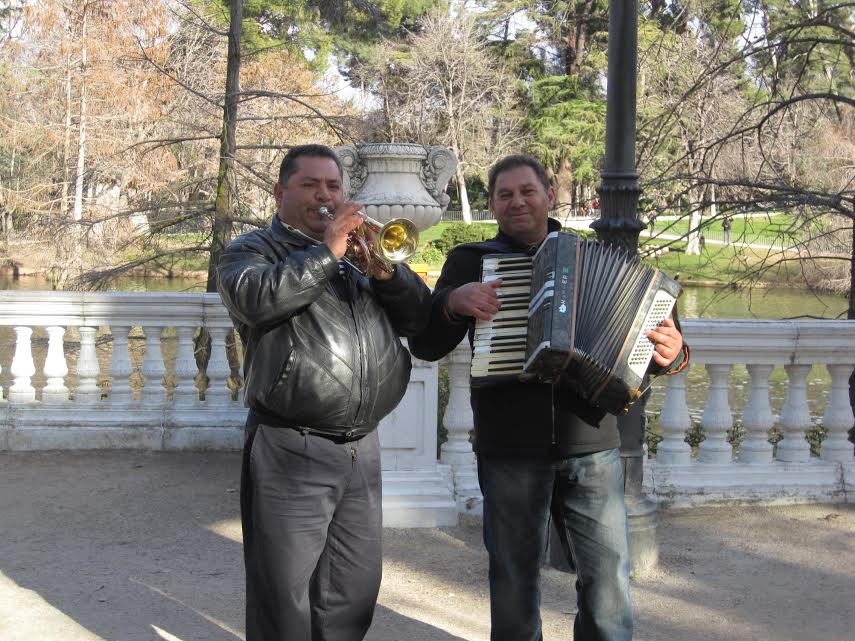 street performers with musical instruments