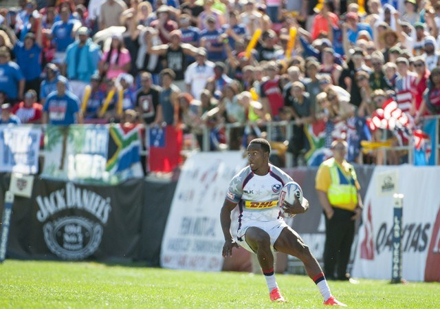 Carlin Isles with the ball during a rugby game against South Africa