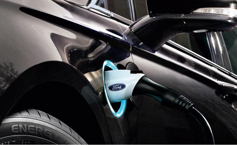 Ford Fusion Energi charging