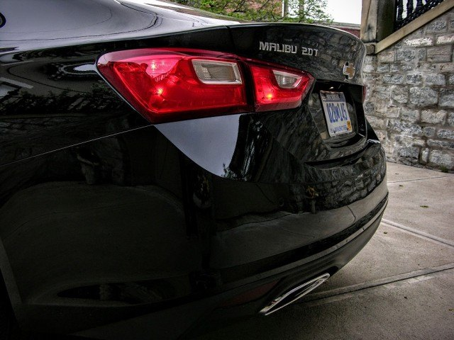 Integrated exhaust tips | Micah Wright/Autos Cheat Sheet