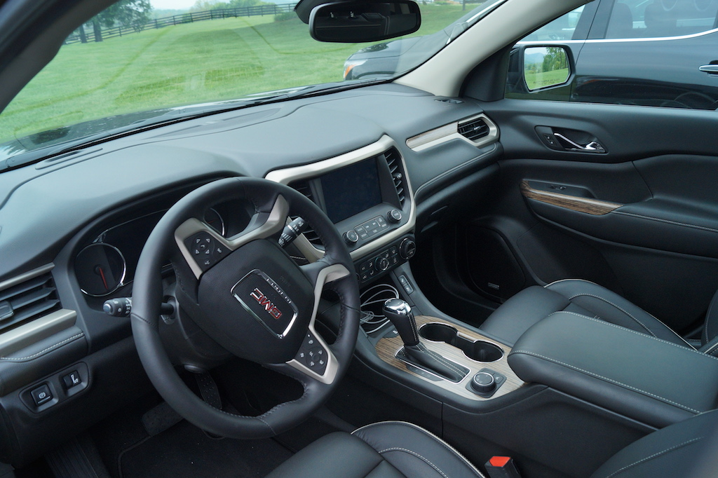buick enclave vs gmc acadia buy this not that gearopen. Black Bedroom Furniture Sets. Home Design Ideas