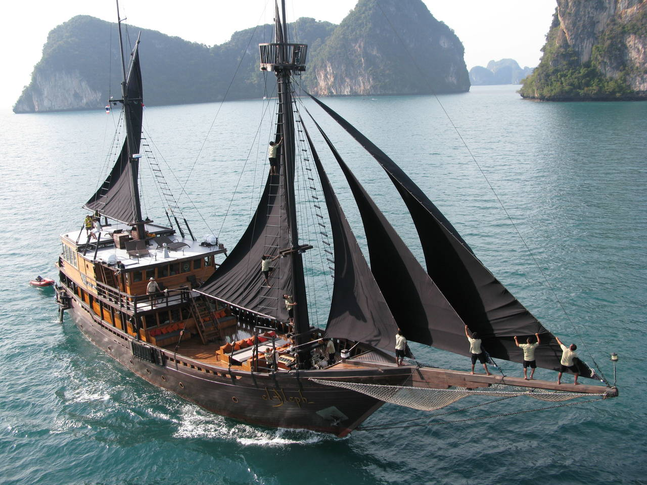 El Aleph luxury yacht