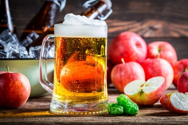 craft cider beer with apples