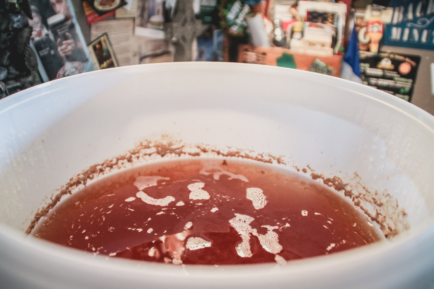 A close-up shot of wort that's ready to be fermented