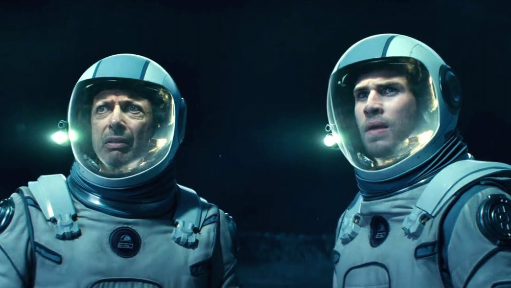 Jeff Goldblum and Liam Hemsworth in Independence Day Resurgence