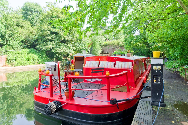 london houseboat