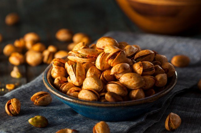 spicy chipotle barbecue roasted pistachios