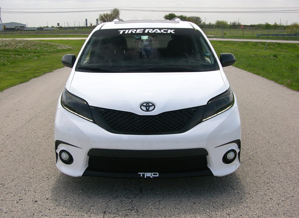toyota sienna se review the stormtrooper sportvan. Black Bedroom Furniture Sets. Home Design Ideas