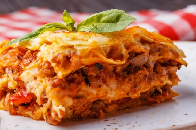 lasagna made with minced beef