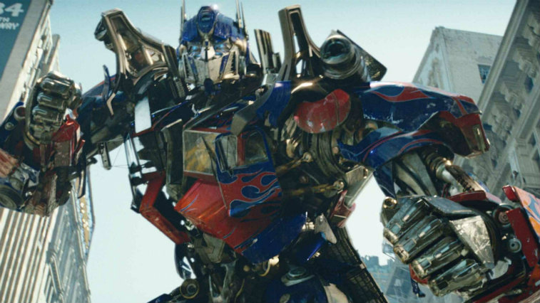 Optimus Prime preparing to fight, with both his fists clenched