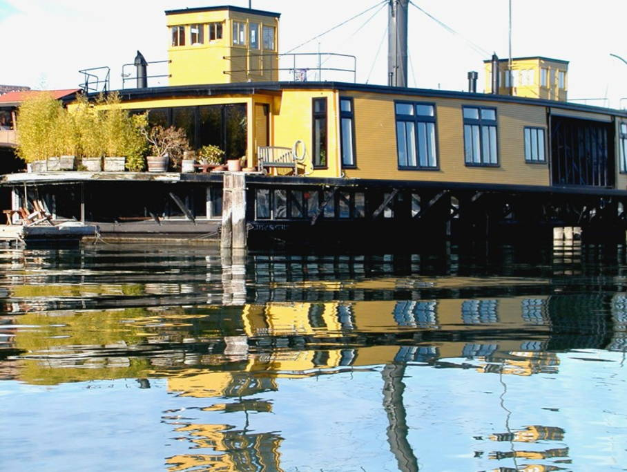 The Top AirBnB Houseboats – Executive Las Vegas