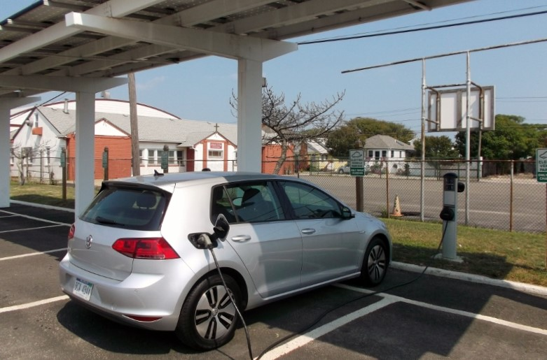 Volkswagen e-Golf charges at solar station on Point Lookout, Long Island