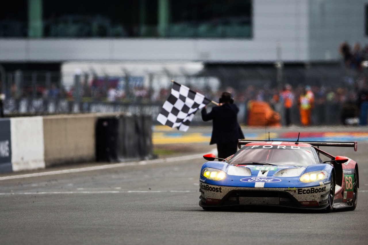 Ford Gt At  Le Mans