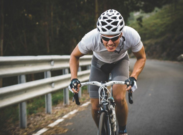 cyclist going at maximum effort