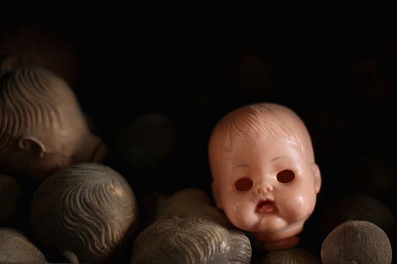 Spare doll heads
