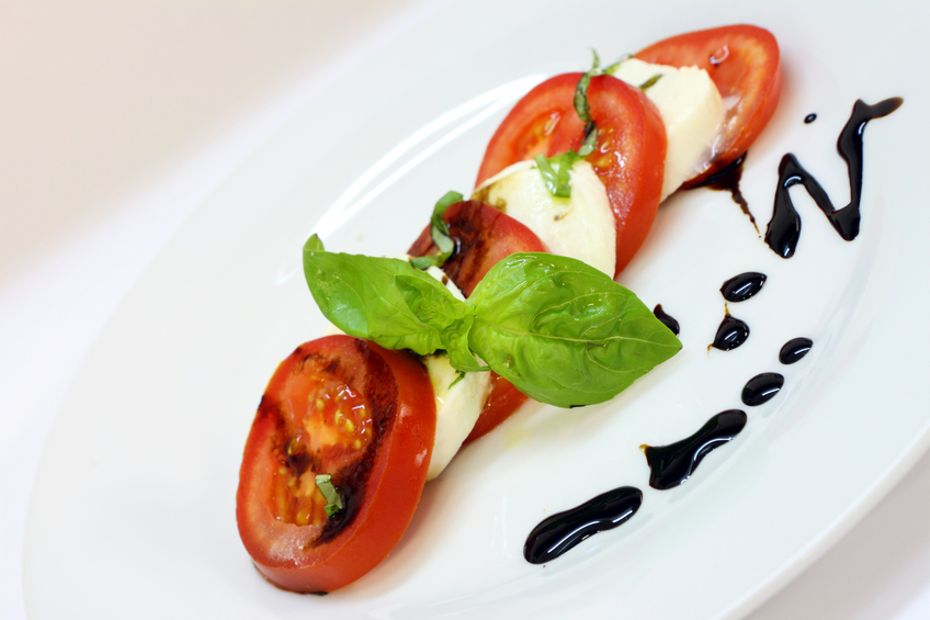 Grilled tomatoes with balsamic vinaigrette