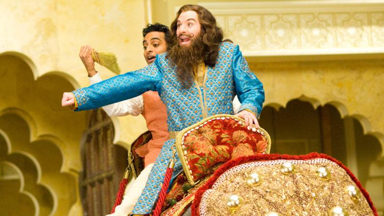 Mike Myers and Manu Narayan in The Love Guru