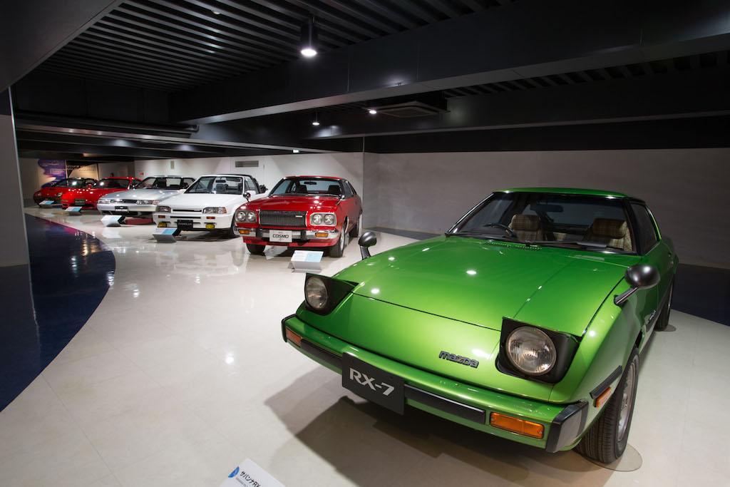 Mazda RX-7, pop-up headlights
