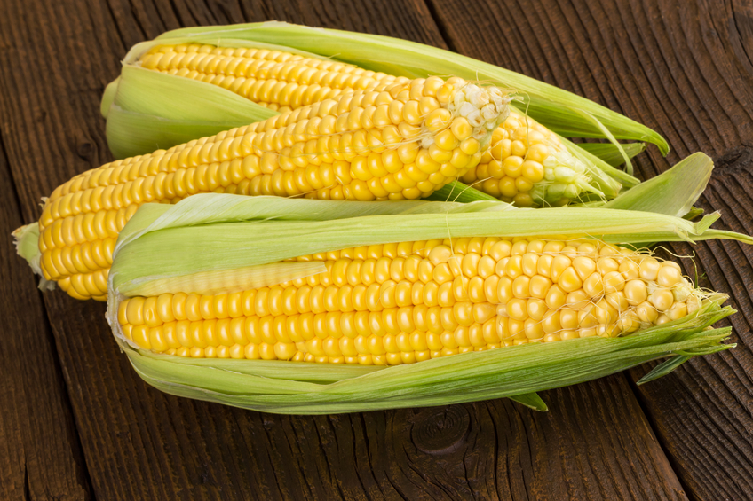 corn on the cob, a food that doesn't need to be organic to be safe