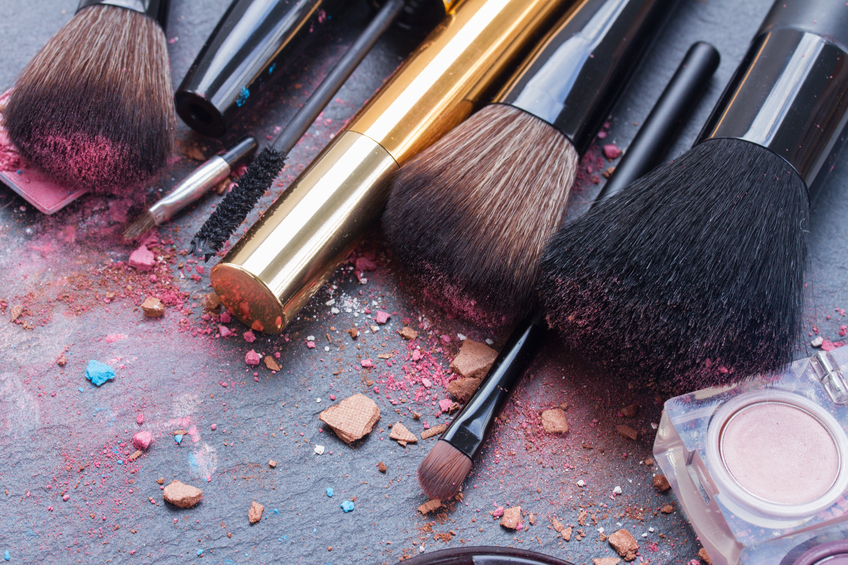 brushes on eye shadows