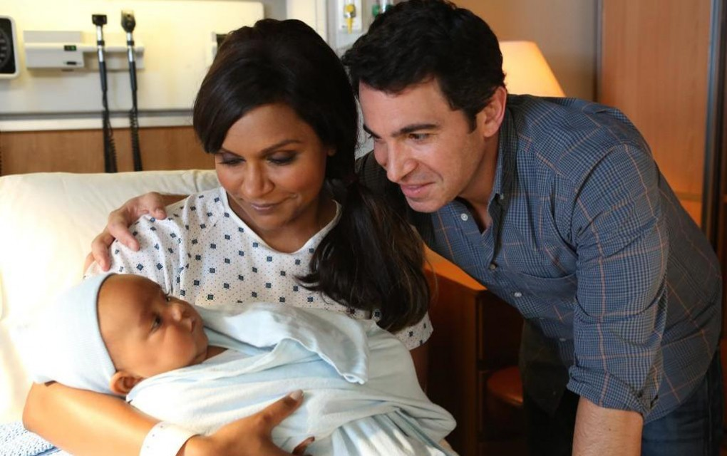 Mindy Paling and Chris Messina in Hulu's The Mindy Project