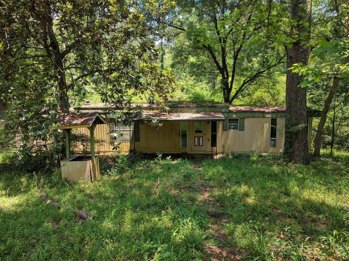 free mobile home offered on Craigslist Houston
