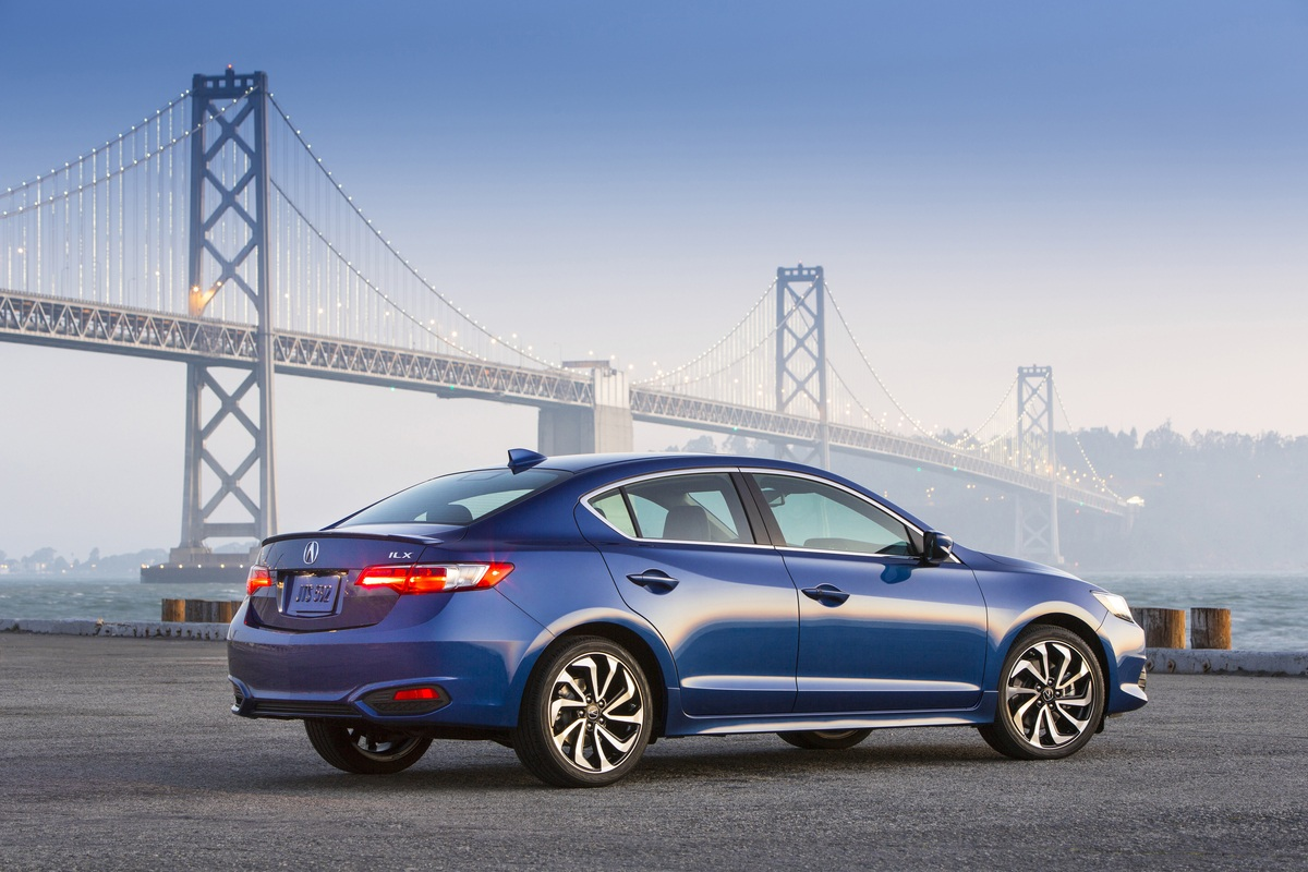 Honda civic vs acura ilx buy this not that for Honda accord vs honda civic