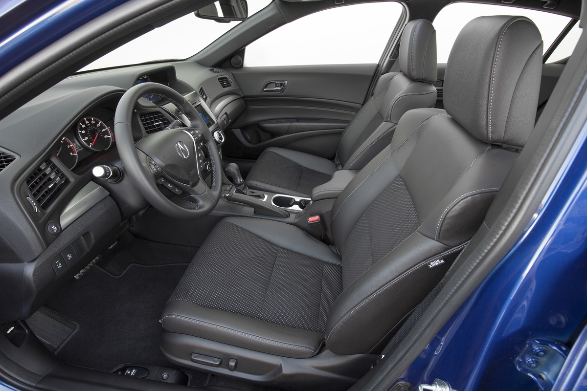 honda civic vs acura ilx buy this not that page 2. Black Bedroom Furniture Sets. Home Design Ideas