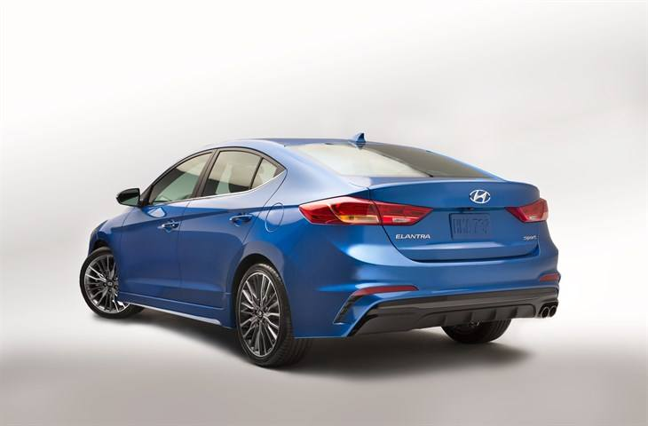 can the 2017 hyundai elantra sport take on the honda civic si. Black Bedroom Furniture Sets. Home Design Ideas